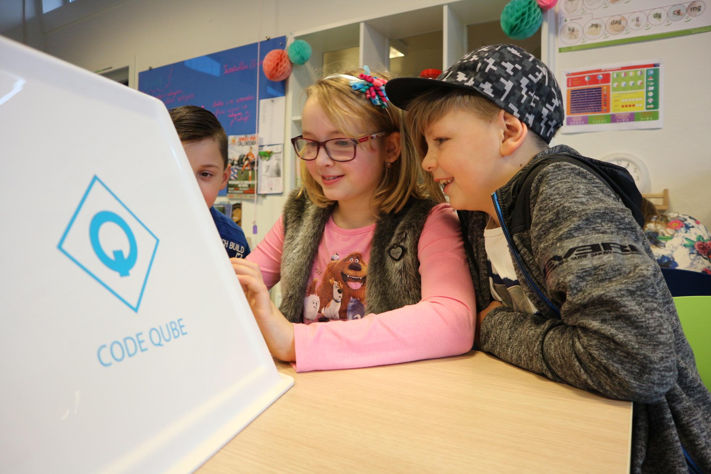 REVIEW: Kinderen bouwen hun eigen website met Code Qube